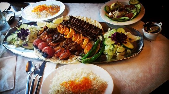 Paradise: mix kebab for two
