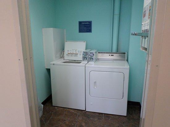 Quality Inn Bangor Airport: Guest Laundry