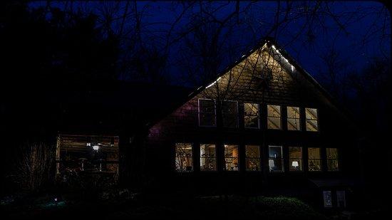 Golconda, إلينوي: Inn in the evening