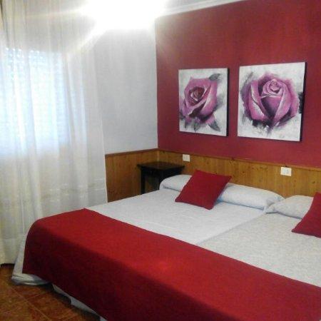 Laza, Espanha: Habitación standar, doble o triple