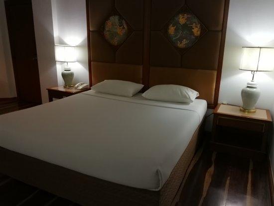 ChiangMai Phucome Hotel: IMG_20170330_233144_large.jpg