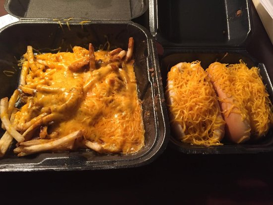 Mount Orab, OH: Chili dogs and chili cheese fries