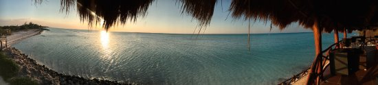 Las Nubes De Holbox: View of the sunset from the upstairs bar at Las Nubes