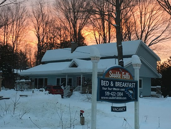 Sauble Falls Bed & Breakfast: Snowmobiler's paradise!