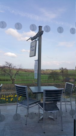 Great Country Gastro Pub with lovely Derbyshire views!