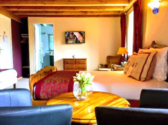 Auzelles, فرنسا: Chambre Familiale Supérieur