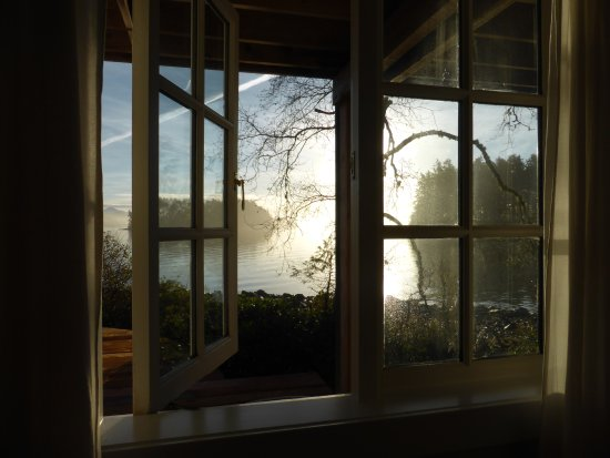 Red Crow Guesthouse: Beautiful morning light.