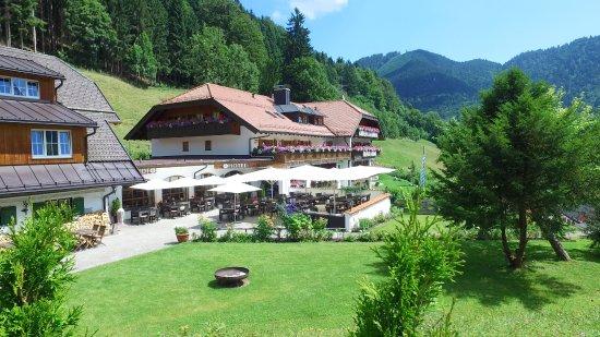 Hotel Blaue Gams: Blick auf unsere schöne Sonnenterrasse