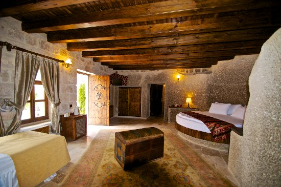 Grand Cave Suites