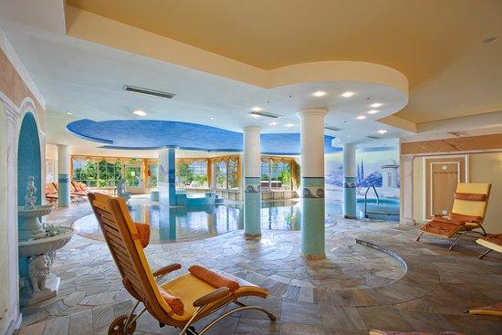Piscina interna con idromassaggio foto di hotel lagorai - Hotel cavalese con piscina ...