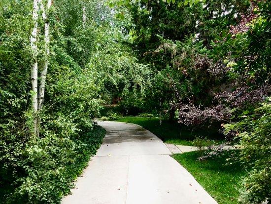 Lovely grounds of Casa Glebinias