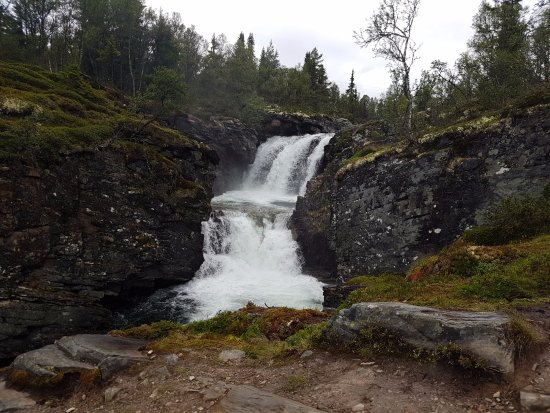 Mysuseter, Norwegen: Ulafossene, beatiful waterfalls a short walk from the hotel.