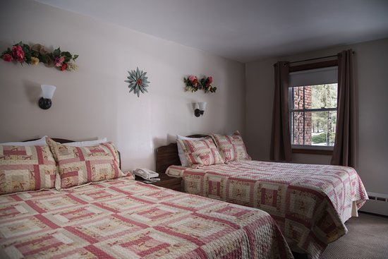 Williamstown, MA: double room