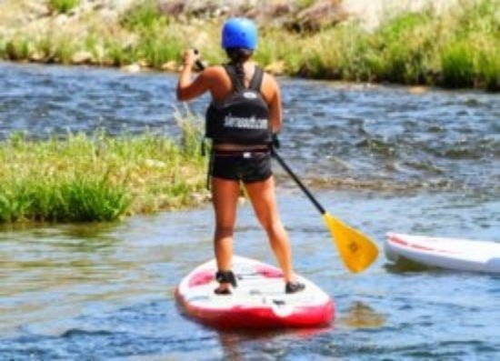 Kernville, Califórnia: Standup Paddleboarding with Sierra South!