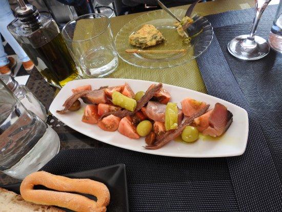 Fuente Alamo, İspanya: salty fish tapas