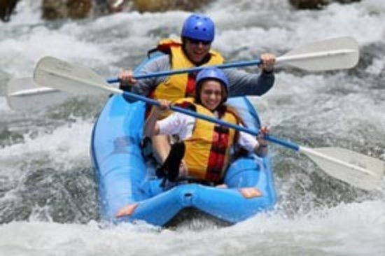 Kernville, Kaliforniya: Inflatable Kayaking with Sierra South on the Kern River!!