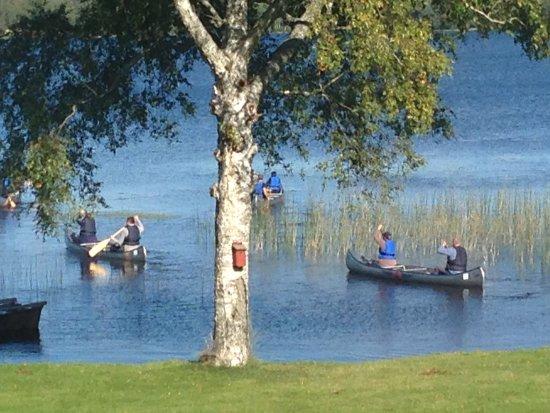 Skinnskatteberg, Suecia: Upplev naturen från en kanot, hyra 350:-/kanot och dag