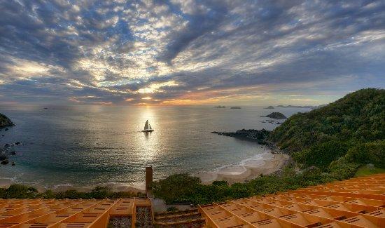 Las Brisas Ixtapa: Bahía Exclusiva