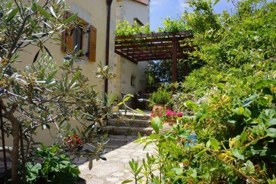 Abelos Villa: www.abelos.gr