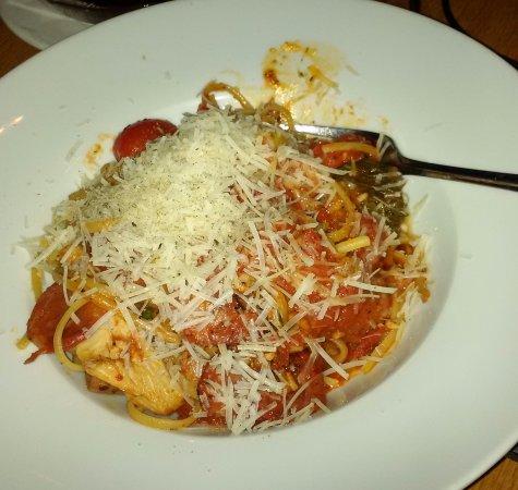 Cassios Italian Restaurant: Siciliana- Spaghetti with tomato, chicken, shrimp, Italian sausage, chorizo, sweet and hot peppe