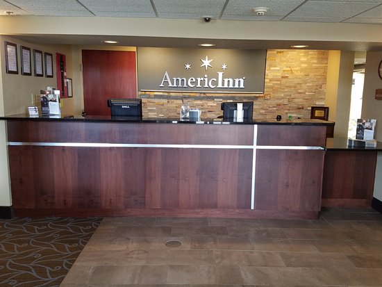 Mounds View, MN: Front desk reception area