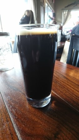 Burnside Brewing Company: Decent bar