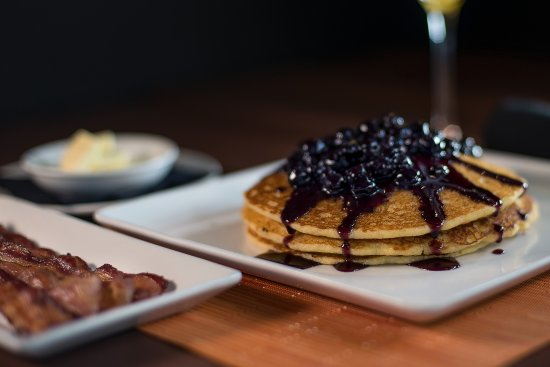 Bloomfield Hills, Мичиган: Blueberry Corn Hotcakes