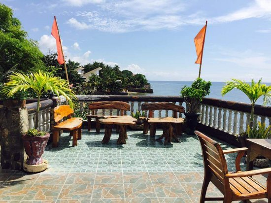 Baluarte de Argao Beach Resort : Balcony bar