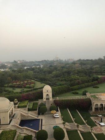 The Oberoi Amarvilas: Taj and pool view
