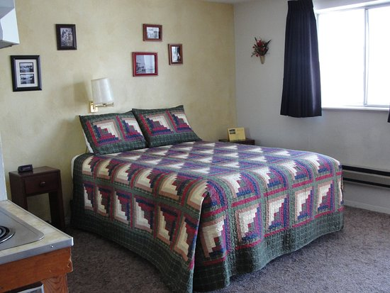 Elk City, ID: A7 has a queen bed plus a kitchen.