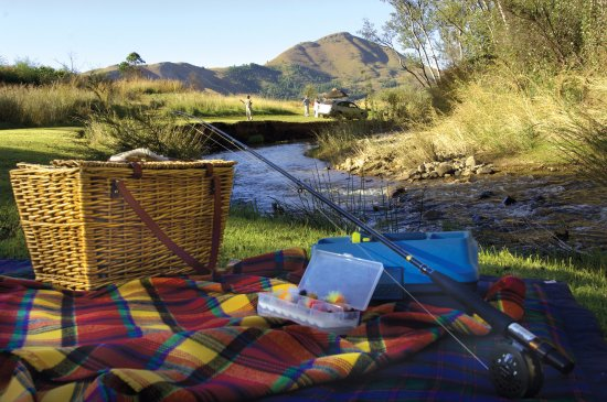 Lydenburg, Sudáfrica: Picnic or Fly-fish along a well maintained river bank