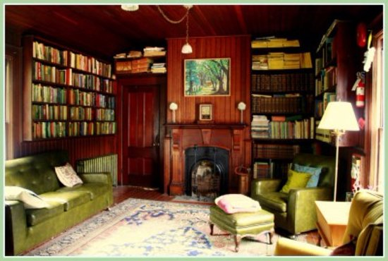 Saturna Island, Canadá: Communal Library.  Read with sipping on loose leaf tea, offered all day.