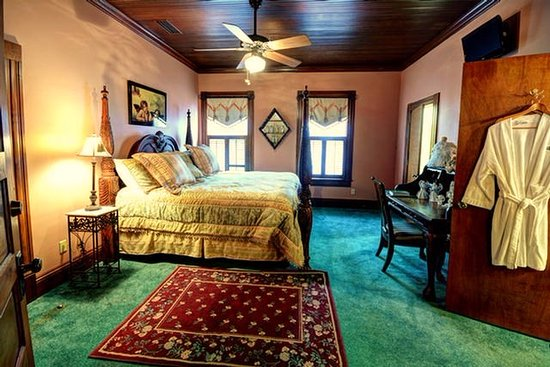 Thomasville Bed and Breakfast: Angels Among Us