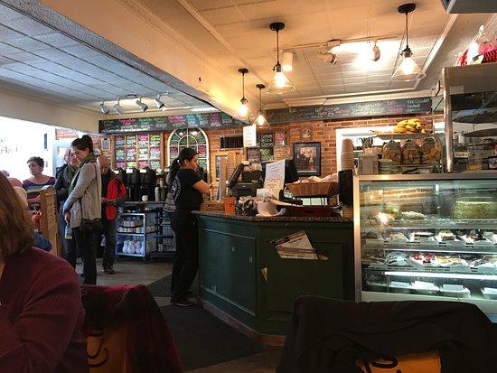 Main Streets Market & Cafe: Cafe Entry