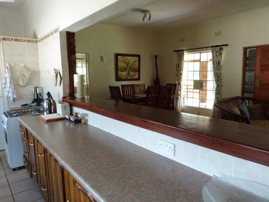 Woodlands Stop Over and Lodge: Kitchen: Woodlands Cottage
