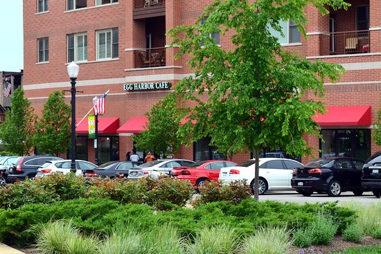 Egg Harbor Cafe: Springtime in Downers Grove