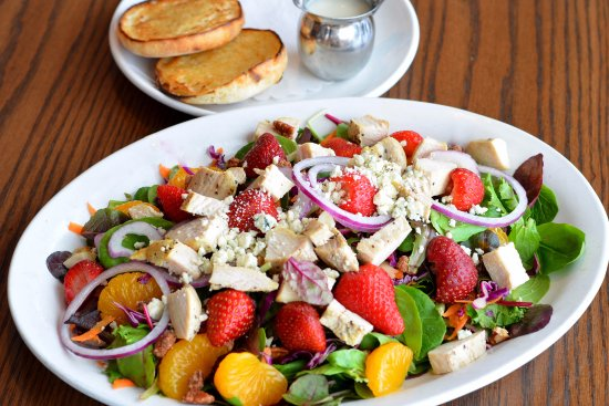 Elmhurst, IL: Sanibel Salad