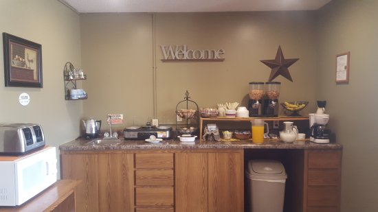 Sibley, IA: Start day with fresh coffee and breakfast.