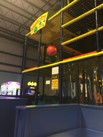 Glen Mills, Pensilvania: The Oasis Family Fun Center
