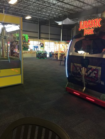 Glen Mills, PA: The Oasis Family Fun Center