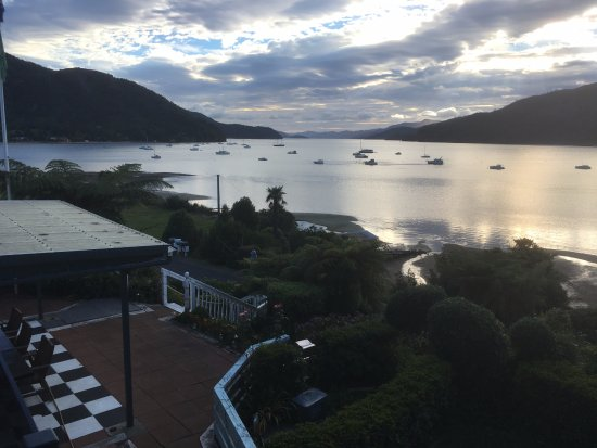 Anakiwa, Nueva Zelanda: Supper on the veranda