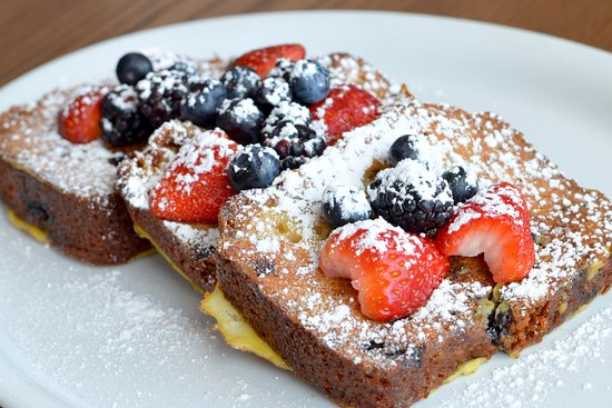 Egg Harbor Cafe: Very Berry French Toast