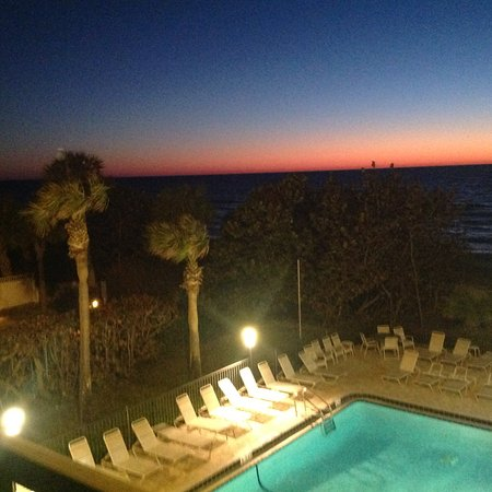 Cameron Cove: Another gorgeous sunset from our balcony