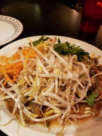 Murray, UT: Pad Thai with Beef
