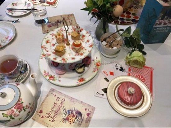 Taj 51 Buckingham Gate Suites and Residences: Alice in Wonderland Afternoon Tea