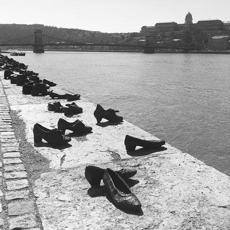 Promenade des Chaussures sur le Danube : photo0.jpg