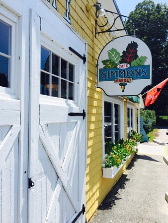 Little Compton, RI: Simmons Cafe and Market!