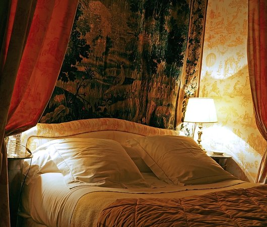 Conflans-sur-Anille, France : Chambre Jaune With Aubusson Tapestry