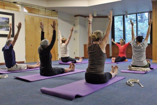 Tahoe Seasons Resort: Winter Weekly Yoga