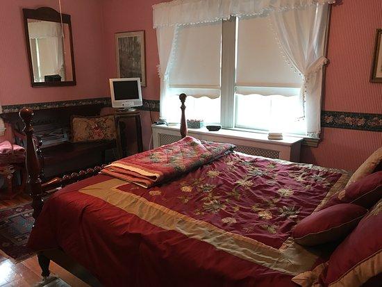 Cranberry Gardens Inn: Cranberry Room